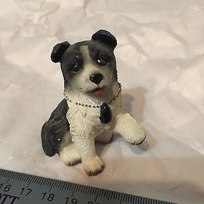 Border Collie with Collar   Figurine Statue