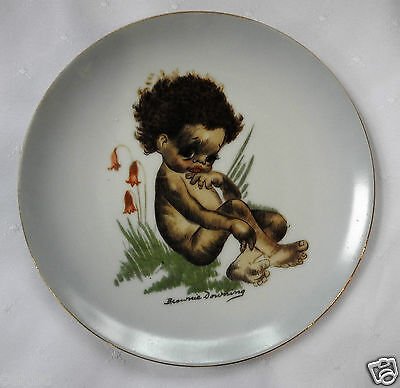 """Brownie Downing Indigenous Australian Child Plate Stting in Grass  6 1/2"""""""