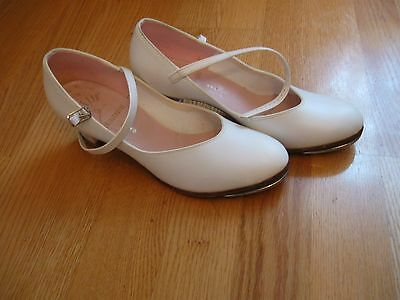 CAPEZIO, WOMEN'S White Leather Rounded Toe W/Buckle Tap Shoes, Size 7.5