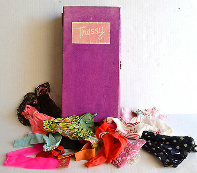 Vintage TRESSY TRUNK Carry Case Filled w/ Barbie Size CLOTHING 16 Piece LOT