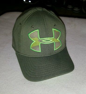 Youth boys designer embroidered Under Armour sz S green fitted cap