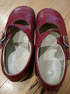 Girl leather shoes size 7.5