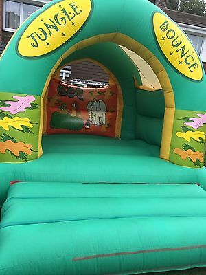 bouncy castle Jungle Bounce 12' X 15'