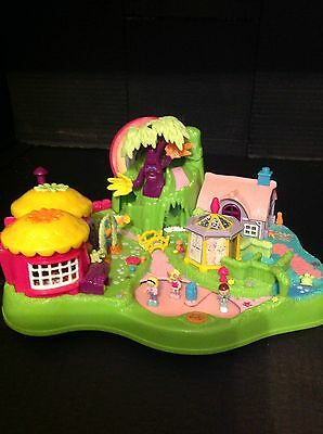 Vintage Polly pocket Magnetic Garden 100% Complete With Figures