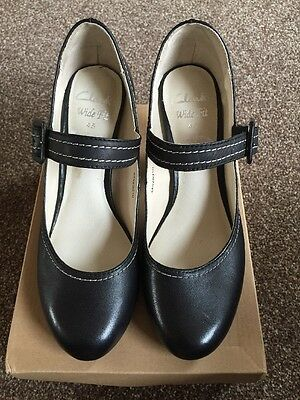 New Ladies Clarks Shoe Size 4.5 Wide Fit