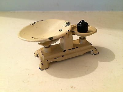 """Cream Metal """"aged"""" Weighing Scales For Dollshouse 12Th Scale"""