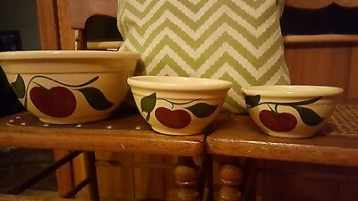 VINTAGE WATT POTTERY Hand Painted- Two Leaf Apple Mixing Bowl  5, 6 & 9