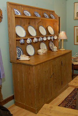 18th C Geo III Pine dresser with waterfall rack