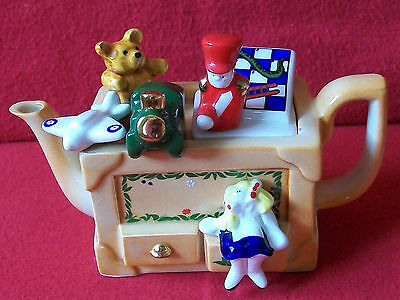 **beautiful Cardew Toybox Teapot And Boxed** **in Excellent Condition**