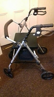 4 wheeled mobility walker with seat rollater zimmer