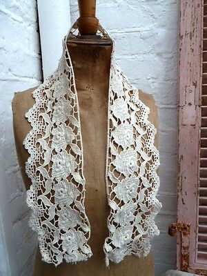 SUPERB 19th FRENCH HEAVY LACE 108 cm LONG 13 cm WIDE