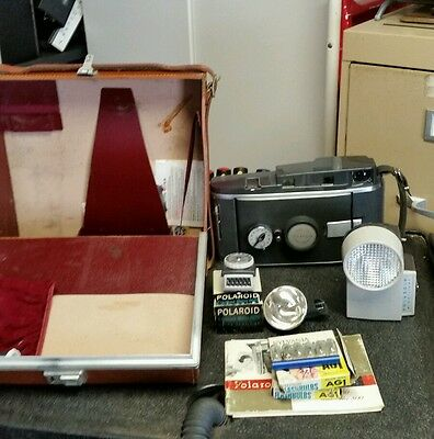 old vintage Polaroid model 150 land camera and case