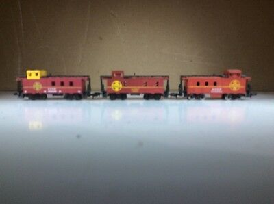 N Scale 3 Cabooses Santa Fe All Have Different Numbers