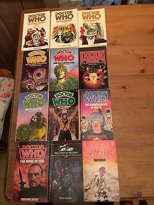 Collection of  12 Doctor Who TAREGT Paperbacks