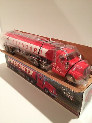 STANDARD AMERICAN AMOCO Oil 1998 Toy Tanker Truck Collectible