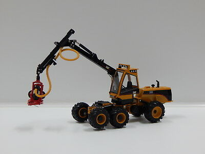 1:50 Cat 580B Harvester with HH65 Cutting Head Caterpillar 55123