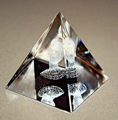 Asfour Crystal 3D Engraved King Tut Bust Leaded Pure Crystal Pyramid Paperweight