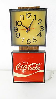 Vintage COCA COLA / COKE LIGHTED CLOCK ADVERTISING SIGN / Made in 1976 / WORKS!