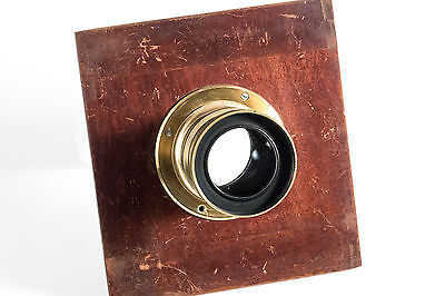 Brass lens Rectiligne Extra Rapide F=8 with adapter for wooden cameras