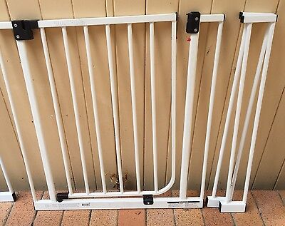 TARGET Baby pet safety gate with extensions no screws Brisbane