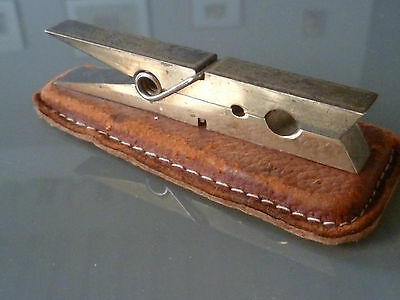 Pince A Linge Presse Papier / Laiton Massif / Solid Brass Clothespin