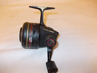 VINTAGE ABU/GARCIA 1044 CLOSED FACE REEL --- In good Used condition.