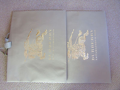 Burberry Set Of 2 Paper Bags Ex-Large In Good Condition
