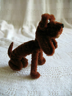 """Vintage 4"""" Tall by 4-1/8"""" Long BLOODHOUND ~ Thick Pipe Cleaners ~ Chenille Stems"""