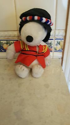 """Vintage """" Snoopy """" In London Beefeater Costume"""