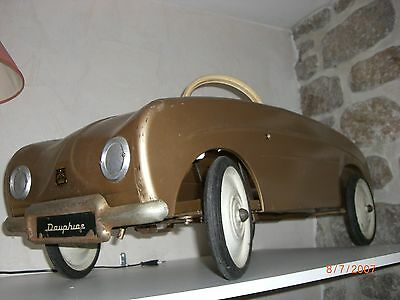 Voiture A Pedale Dauphine Or