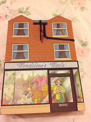 Wallace and Gromit - Wendolene's Wools Playhouse complete with figures