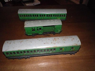 2 hornby meccano  tinplate coaches and 1 plastic guards van