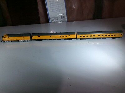 Vintage Atlas Fmc And 2 Passenger Cars N Scale Union Pacific