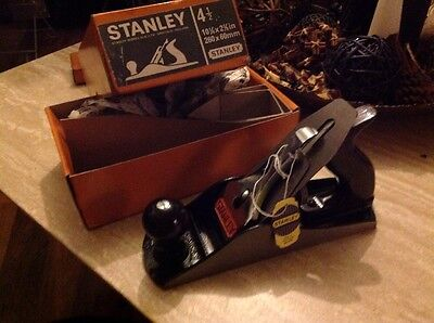 vintage stanley bailey 4 1/2 English plane Never used With 3 Extra Blades