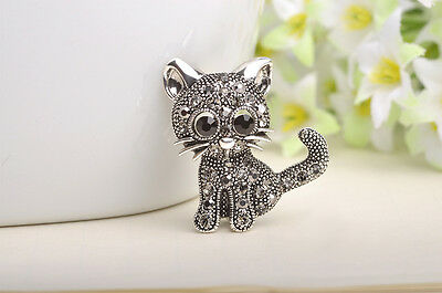 Brooch the Cat Made under Ancient Silver