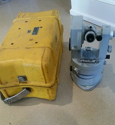 CARL ZEISS TH43 THEODOLITE SURVEY TRANSIT w/ HARD CARRYING CASE