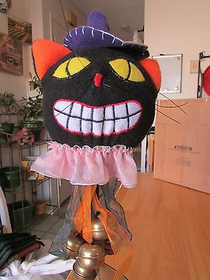 Pre-Owned Halloween Felt Smiling Black Cat Folk Art Jester Wand Staff Decoration