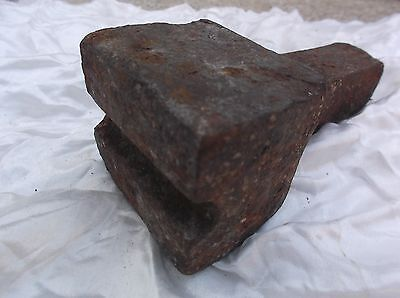 VINTAGE COLLECTABLE BLACKSMITH TOOL FORGE EQUIPMENT d