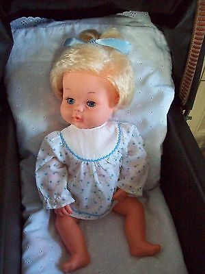 Excellent ConditionVintage 1970s Tiny Tears Doll + extra clothes