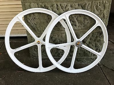 New 700C White Fixie/Fixed Gear Wheel Set - Front And Back!