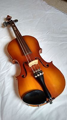 Child 3/4 violin case and bow