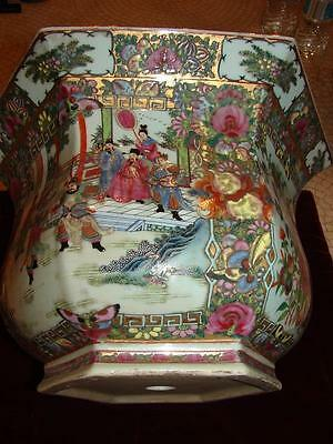 Beautiful Famille Verte Chinese Porcelain Planter 6 Sided