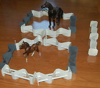Plastic Horse Corral Fencing Farm Stables Cattle Ranch Barn Trough Fence Pieces