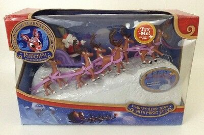 Rudolph the Red-Nosed Reindeer SANTA'S SLEIGH TEAM w/ Music Base 2014 50th