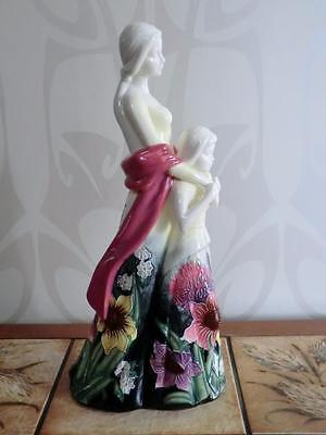 Old Tupton Ware MOTHER & DAUGHTER Figurine / Ornament SUMMER BOUQUET TW4264