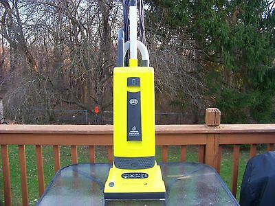 Sebo Automatic X4 Upright Vacuum, Spring Green made by Windsor /Sebo