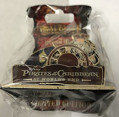 DSF Pirates of the Caribbean At World's End Jack Sparrow Helm Diorama Pin LE 300