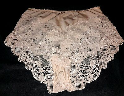 Vintage USA Wacoal Panties 84928 Made in USA  Nylon Spandex Beige w Lace M