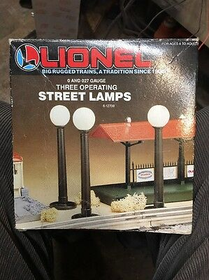Lionel (6-12708) 3 Operating Street Lamps O & O-27