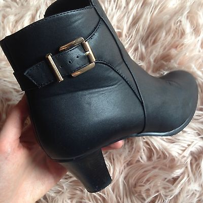 Ladies Size 11 Black Boots